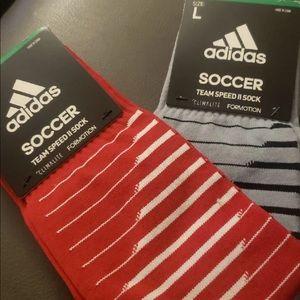 2 pairs of men's socks